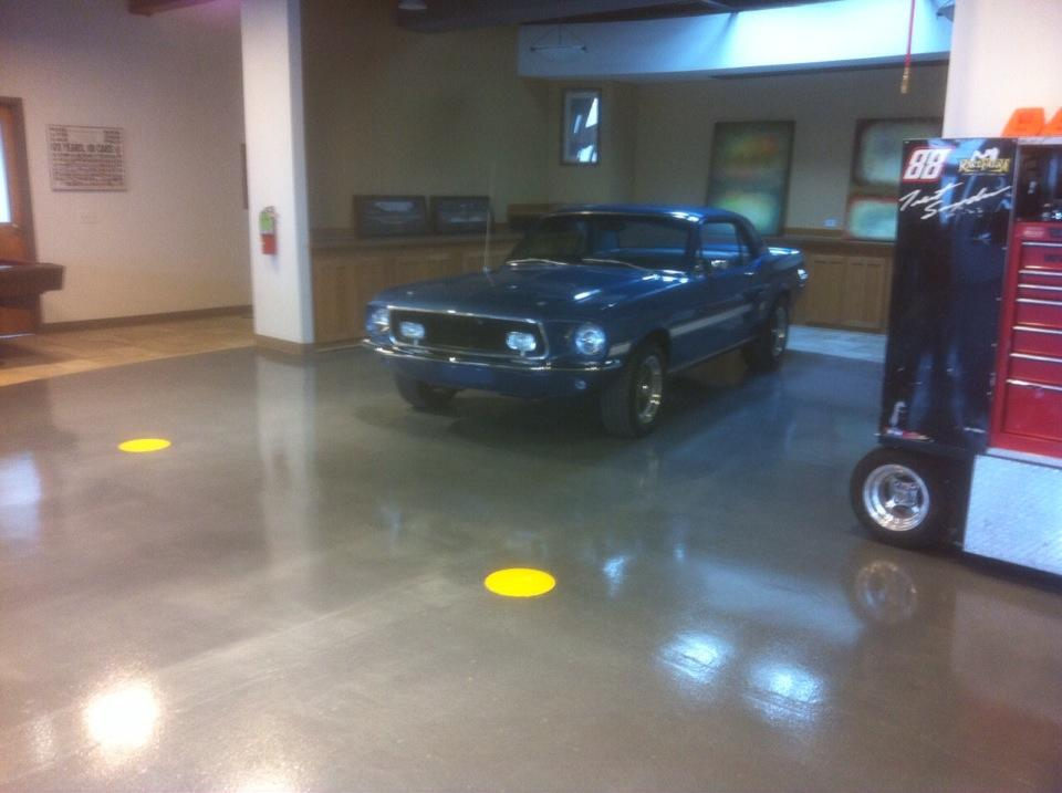 AUTOMOTIVE SHOWROOM AND SERVICE FLOORING